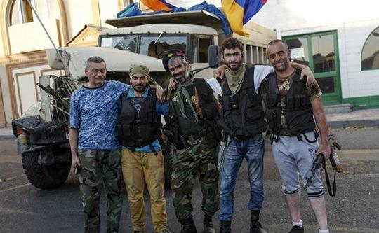 """24 из 31 представителя группы """"Сасна црер"""" продолжают оставаться в здании полка ППС"""