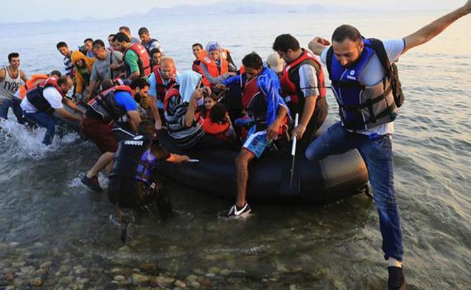 Европа приняла более 335 тысяч мигрантов с начала года по Средиземному морю