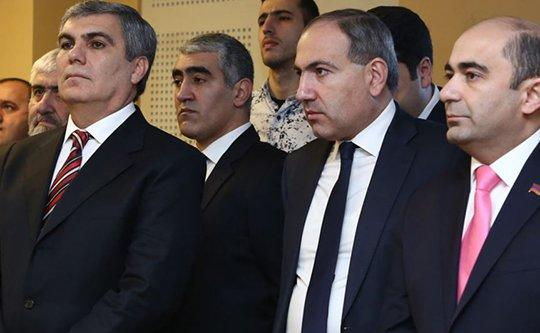 «Жаманак»: Блок «Елк» поддерживает Пашиняна в парламентской борьбе, но не разделяет идею уличной борьбы