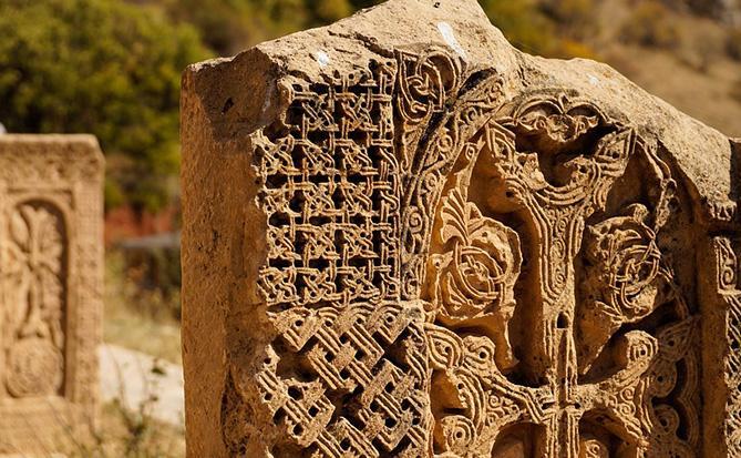 Книга про уничтоженные в Азербайджане армянские памятники издана в Ереване