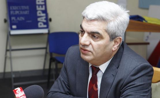 Омбудсмен Армении сообщил об освобождении политолога Степана Григоряна