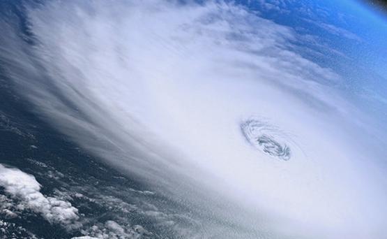 Новый тропический шторм в Атлантике усилился до урагана