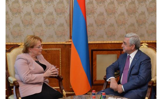 Серж Саргсян принял министра здравоохранения России