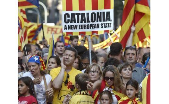 Париж не признает одностороннего провозглашения независимости Каталонии