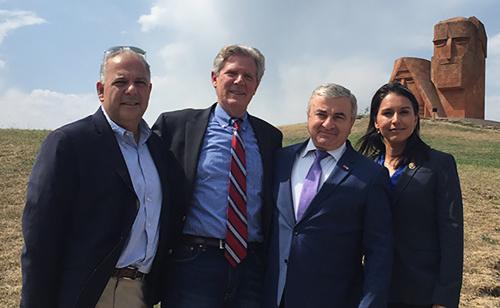 Американский конгрессмен выступил за развитие отношений между США и Арцахом
