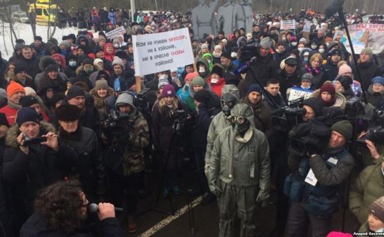 Жители Волоколамска напали на главу района и губернатора Подмосковья